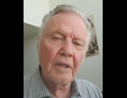ジョン・ボイト、トランプは「今世紀で最も偉大な大統領」とツイッター動画で宣言